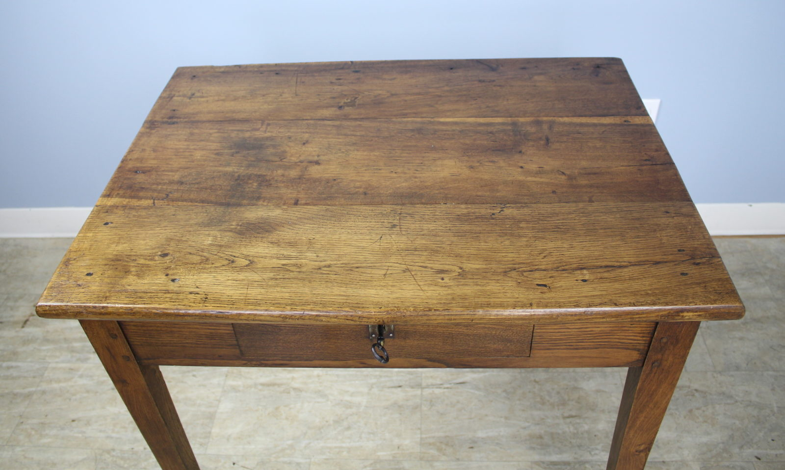 Superieur Chunky Antique Oak Side Table